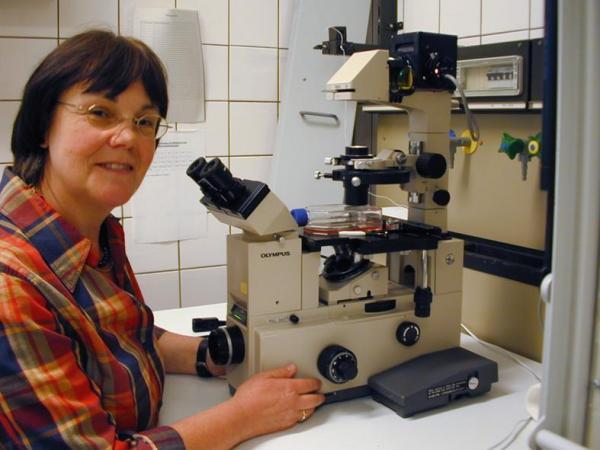 Quelle: Universität Oldenburg Die Oldenburger Molekularbiologin Prof. Dr. Christiane Richter-Landsberg.